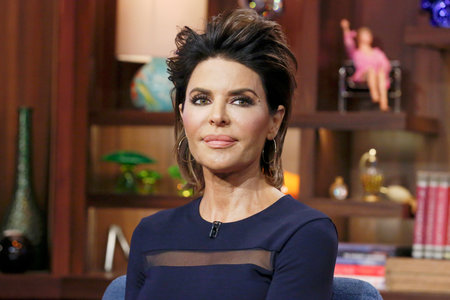 Lisa Rinna on WWHL with a new hairstyle on May 3, 2016.