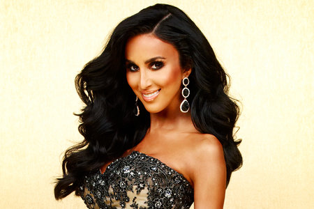 aff9d5aae58 Lilly Ghalichi Still Floored By Love from Kylie Jenner and Lady Gaga Over  Her Glamorous Lashes