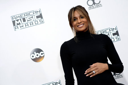0d3a9eafb81 Ciara Dressed Her Baby Bump in French Couture at The American Music Awards