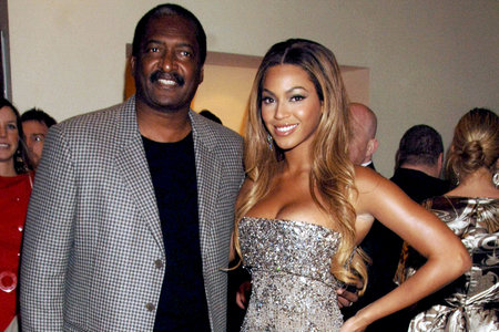 who is beyonces dad dating
