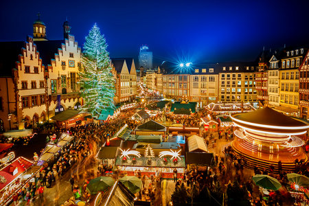 Just Look at These Pics From the 9 Most Downright Christmassy Places in the Entire World and Try Not to Feel Jolly AF
