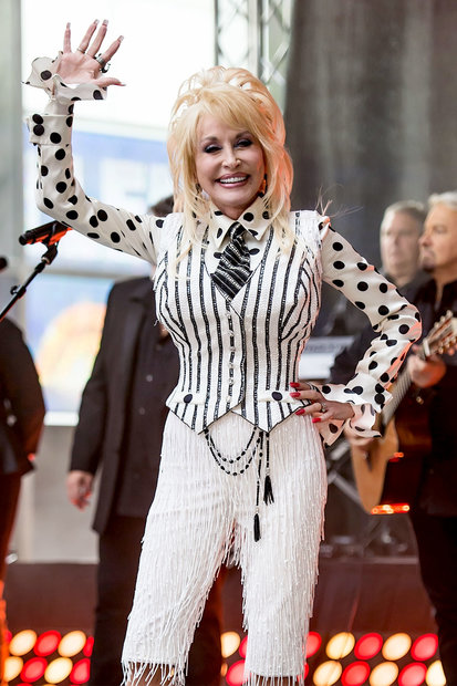 Dolly Parton S Best Hairstyles Photos Style Amp Living