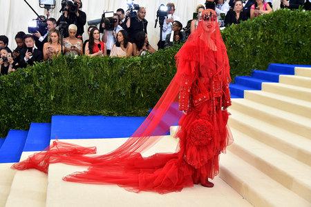 Met Gala 2017 Rihanna Katy Perry The Best Dresses Style Living