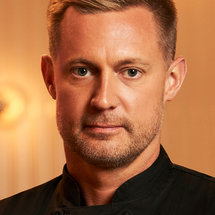 Top Chef Season 17 Headshot Bryan Voltaggio