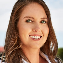 Below Deck Season 8 Headshot Isabelle Wouters