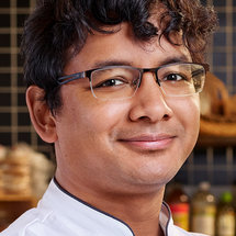Top Chef Season 18 Headshot Avishar Barua