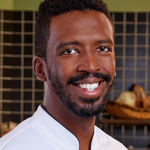 Top Chef Season 18 Headshot Chris Viaud