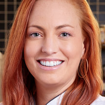 Top Chef Season 18 Headshot Sasha Grumman