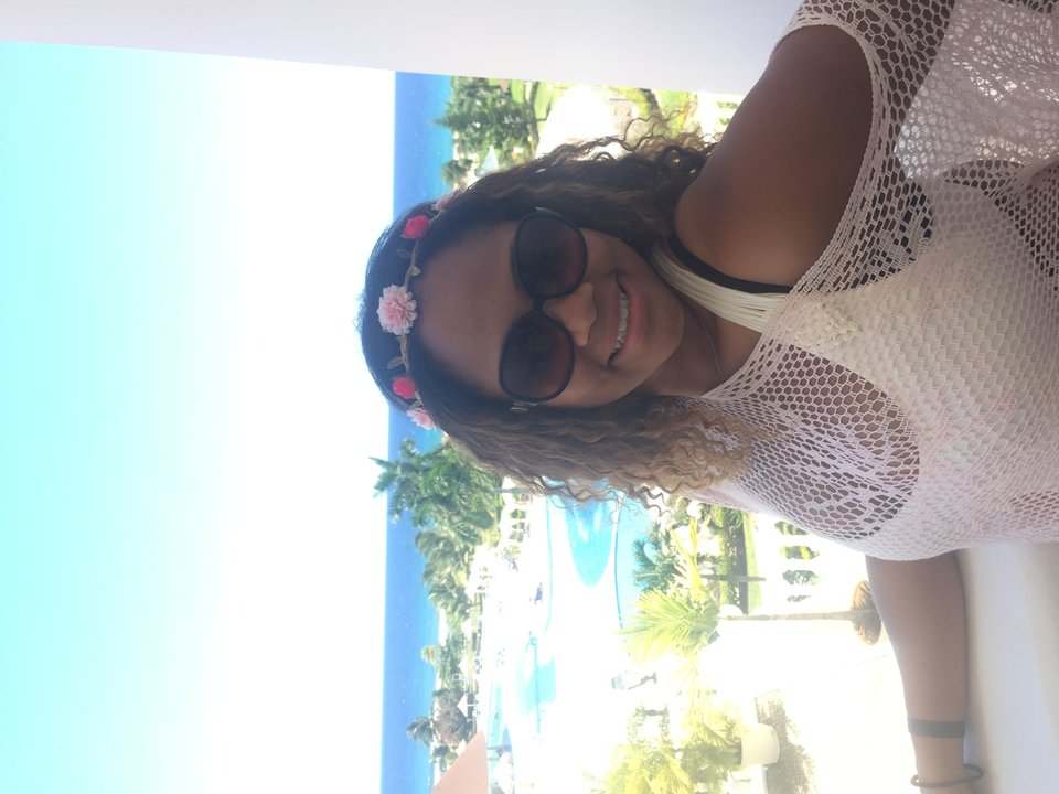 mtmla1_digital_asks_shanique_shanique_solo_vacation_photo.jpg