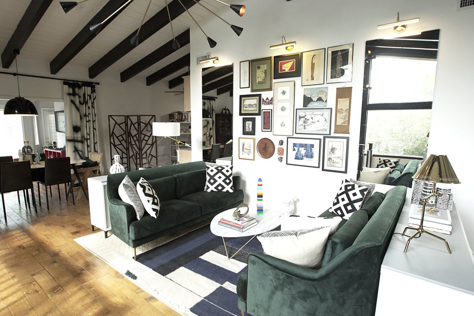 Best Room Wins Before and After: Transitional Living Rooms ...