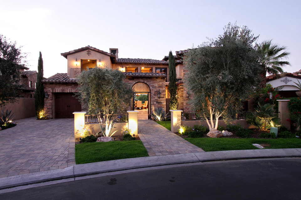 Tour Kyle Richard S Palm Springs Home And Closet The
