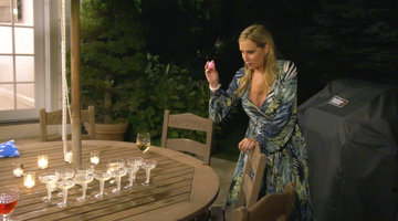 The Real Housewives of New York City Play Prosecco Pong
