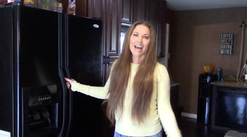LeeAnne Locken Shows Us Inside Her Nearly Empty Refrigerator