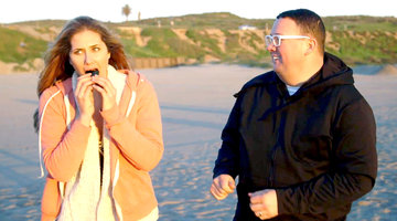 Graham Elliot and Alex Thomopoulos Hunt Down a Pop Up Uni Beach Party