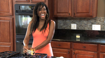Kenya Moore Wards Off Evil Spirits