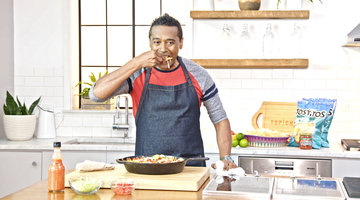Learn How to Make Delicious Hot Chicken Nachos With Top Chef's Chris Scott