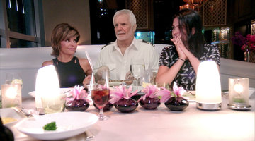 Captain Lee Discovers Lisa Rinna's Sex Book