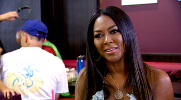Kenya Moore Confronts Porsha Williams