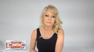 Pamela Anderson Hopes Julian Assange Gets Released from Prison
