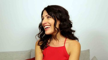 "Lisa Edelstein Gushes About ""Hilarious"" Retta Joining Season 2"