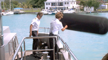 "Captain Lee Rosbach and Eddie Lucas Have No Patience For Shane Coopersmith While Docking In a ""Tricky"" Location"