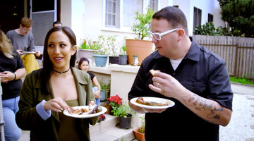 "Cheryl Burke and Graham Elliot Taste ""Sexy"" Front-yard BBQ"