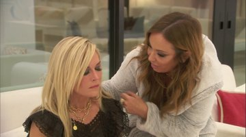 Unseen Moment: Ramona Singer Attacks Tinsley Mortimer's Makeup