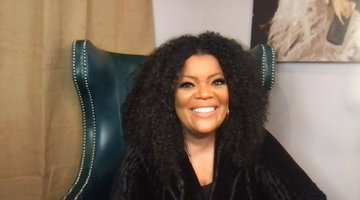 Yvette Nicole Brown on Kissing Malcolm-Jamal Warner