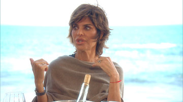 Lisa Rinna Thinks Lisa Vanderpump Had a Face Lift