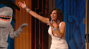Luann de Lesseps Performs in the LA Clubhouse