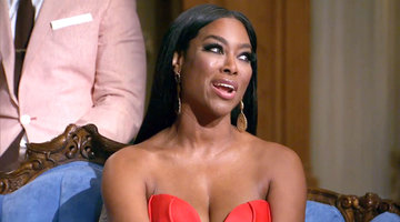 "Kenya Moore: ""Stop Wearing Hair from Toys 'R' Us"""