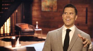 Fredrik Eklund's Life is Now 'Loving Chaos'
