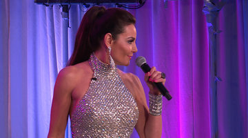 Luann de Lesseps Performs 'Feelin' Jovani'