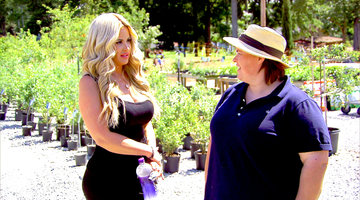 Kim Zolciak-Biermann Learns About Farming