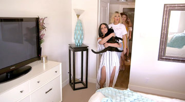 Your First Look At Scheana Shay's New Apartment