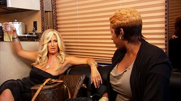 Tour Bus Fight between Kim vs. NeNe