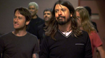 It's Foo Fighters!