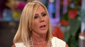 Vicki Reveals She Never Saw Brooks' Records