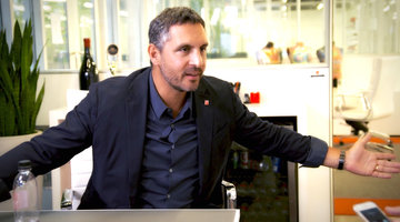 Mauricio Umansky Shows Off His Negotiating Skills Alongside Josh Flagg