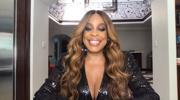 Niecy Nash Dishes on her Famous Co-Stars