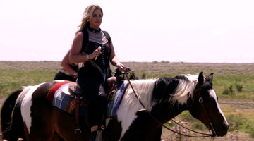 Can Kim Zolciak-Biermann Keep Her Fears and Boobs In Check On This Horse?
