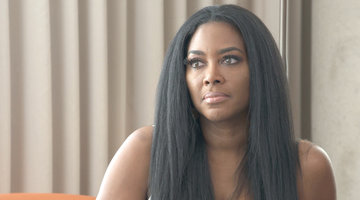 Kenya Moore Breaks Down Over Her Marriage Struggles