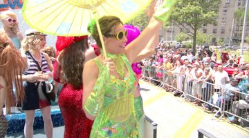 #RHONY Hits The Mermaid Parade