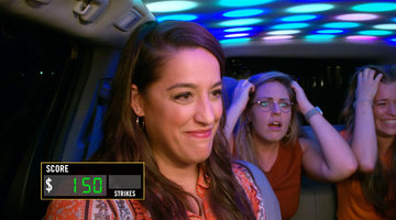 It's a Musical Comedy When a Group of Comediennes Enters the Cash Cab