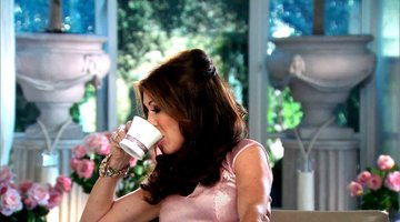 Lisa Vanderpump Loves Her Tea