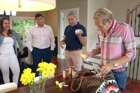 Carson Kressley and Thom Filicia Get Help from an Unexpected Source...
