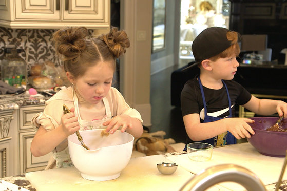 Chef Tracey Has an Adorable Cooking Lesson with Kane and Kaia Biermann