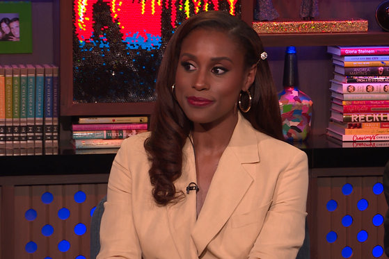 Issa Rae Reacts to Sitting Next to Lisa Rinna
