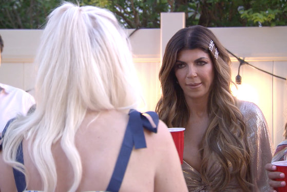 Teresa Giudice Flips Off the Camera