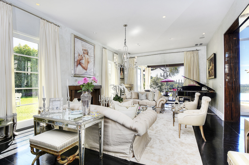 Rhobh Lisa Vanderpump Villa Rose Photo Tour Home Amp Design
